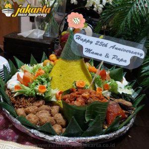 Pesan Nasi Tumpeng di Cipayung